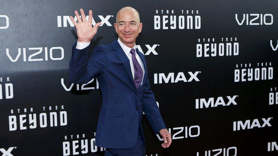 Amazon'un patronu Bezos dünyanın en zengin üçüncü kişisi oldu