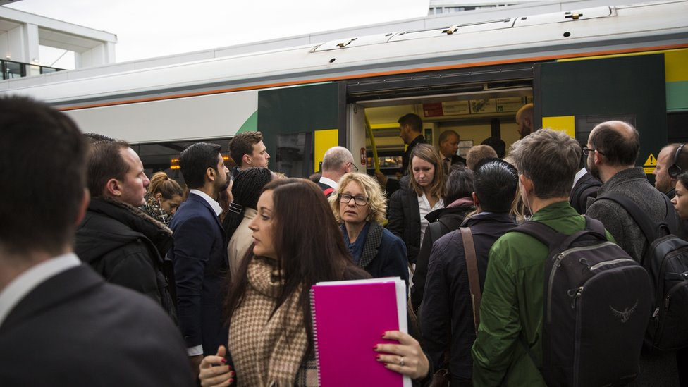 Southern rail: Fears for health and safety on network