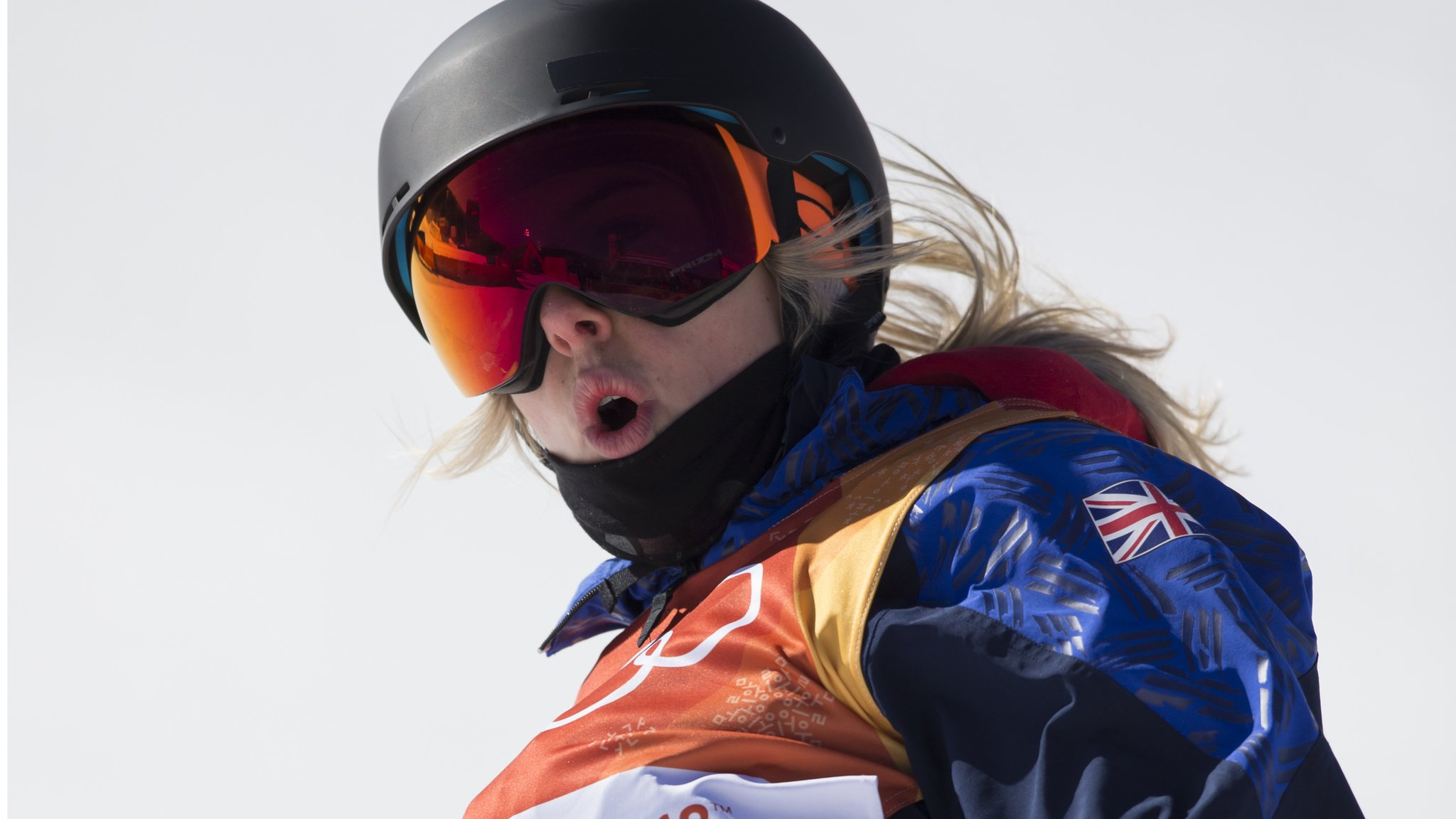 Katie Summerhayes: British freestyle skier ruptures knee ligament for third time | BBC
