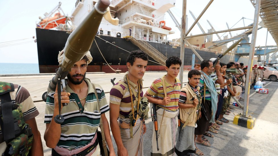 Yemen war: Houthis withdraw from key ports, says UN