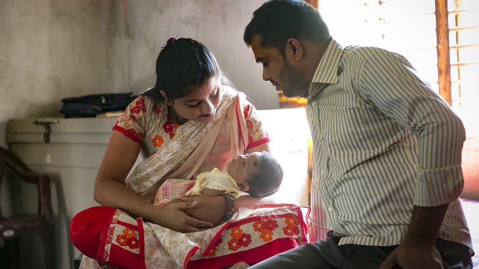 Meghla se casó a los 15 años con un hombre 13 años mayor que ella.