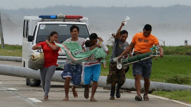 Typhoon Mangkhut: First Philippines' deaths confirmed
