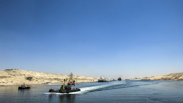 VIDEO: On the banks of the new Suez Canal...