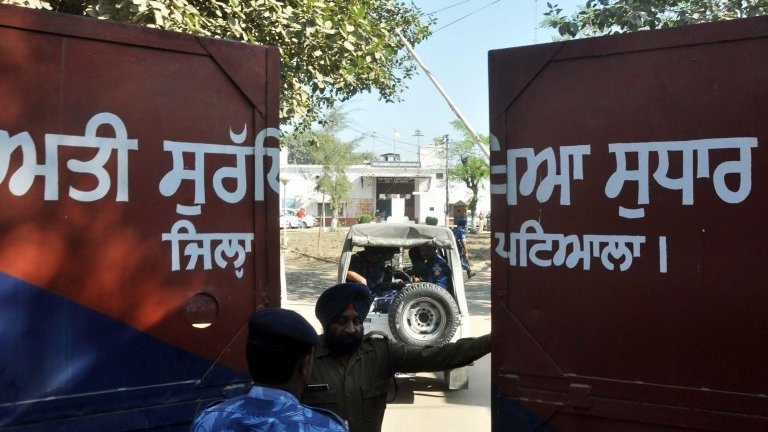 India prisons: Why security needs to be improved
