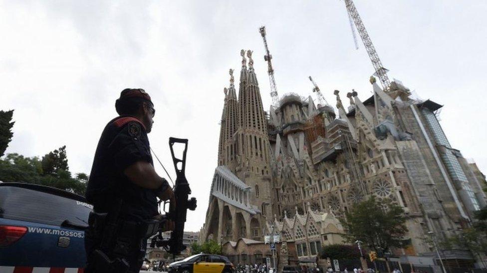 هجوم برشلونة: الخلية الإرهابية كانت تملك 120 عبوة غاز