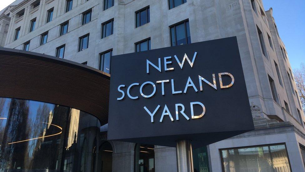 London terror arrests: Metropolitan Police hold five teenagers