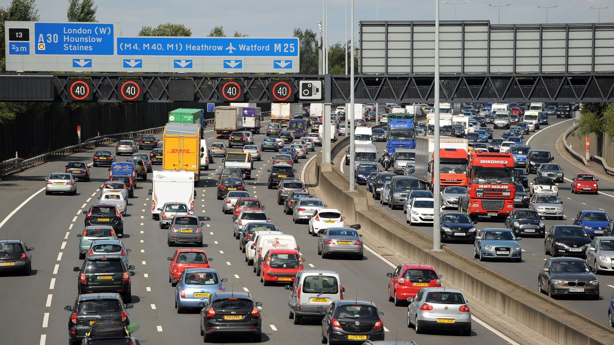 Bank holiday weekend to see millions travel in UK and abroad