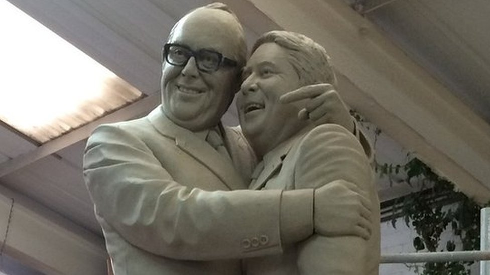 Morecambe and Wise statue to be unveiled in Blackpool