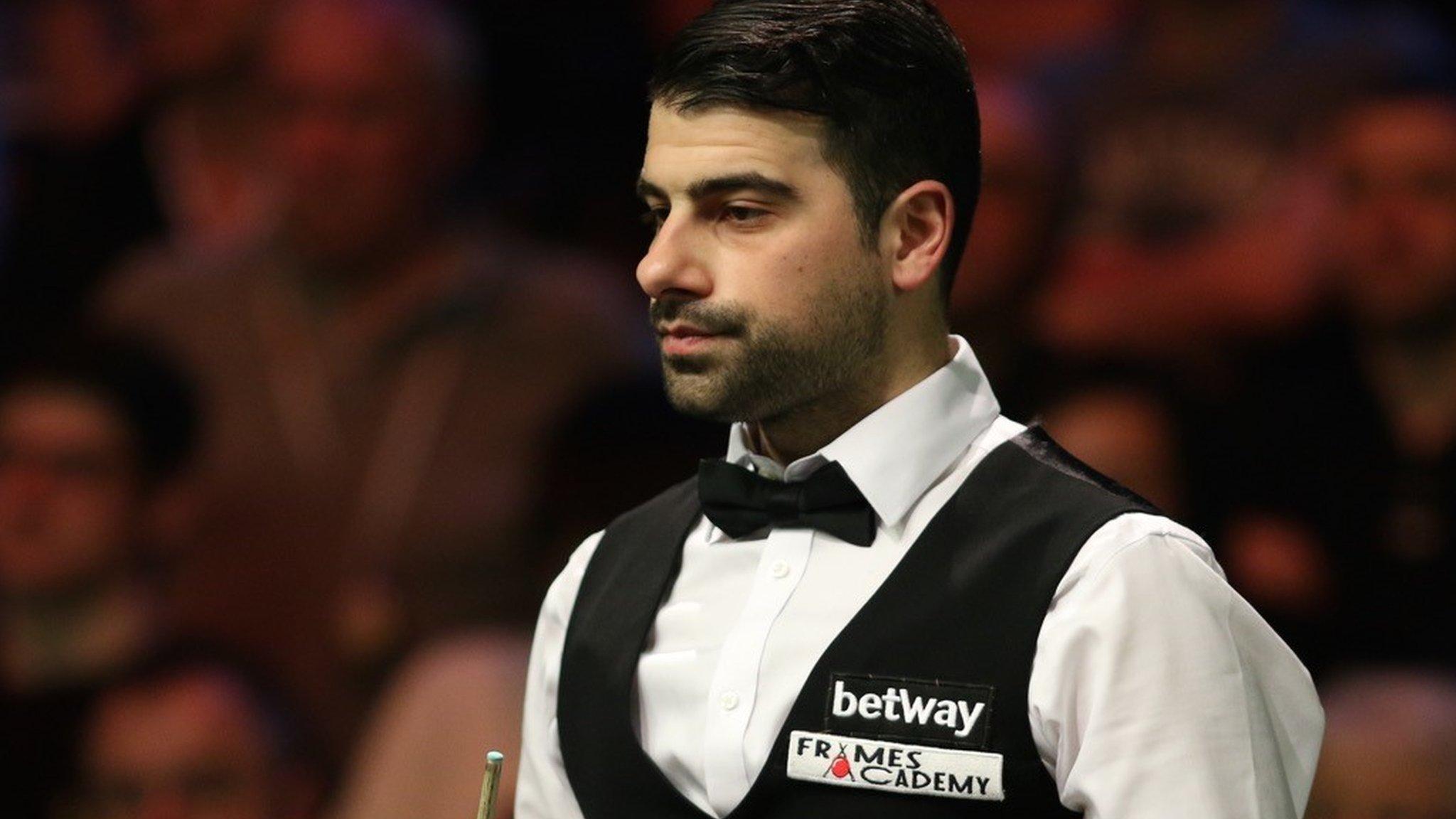 Snooker Shoot Out: Michael Georgiou beats Graeme Dott to win title