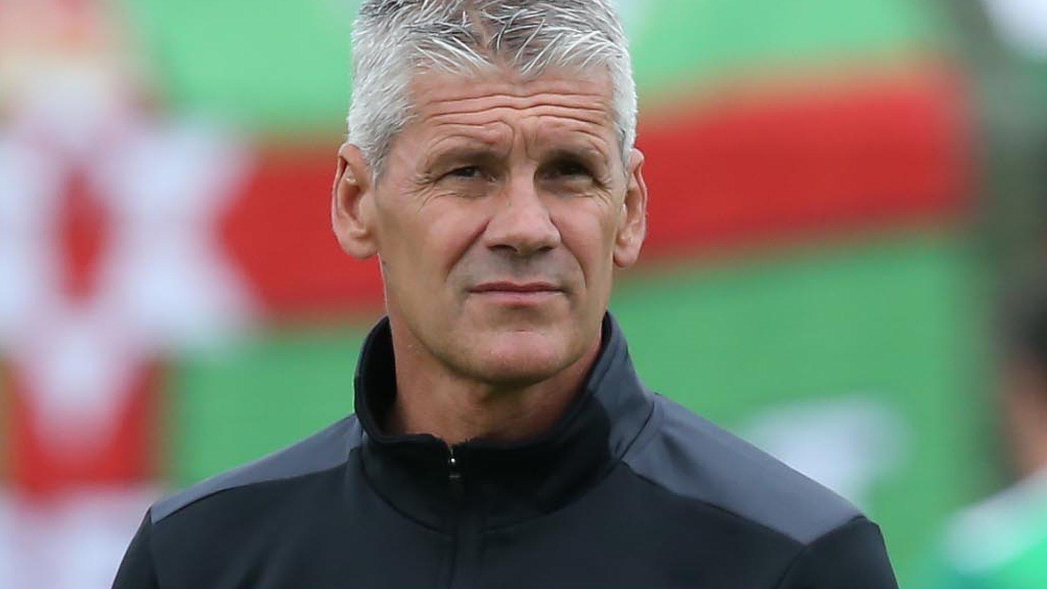 We must sort out 'criminal' defending quickly - Glentoran boss Gary Smyth