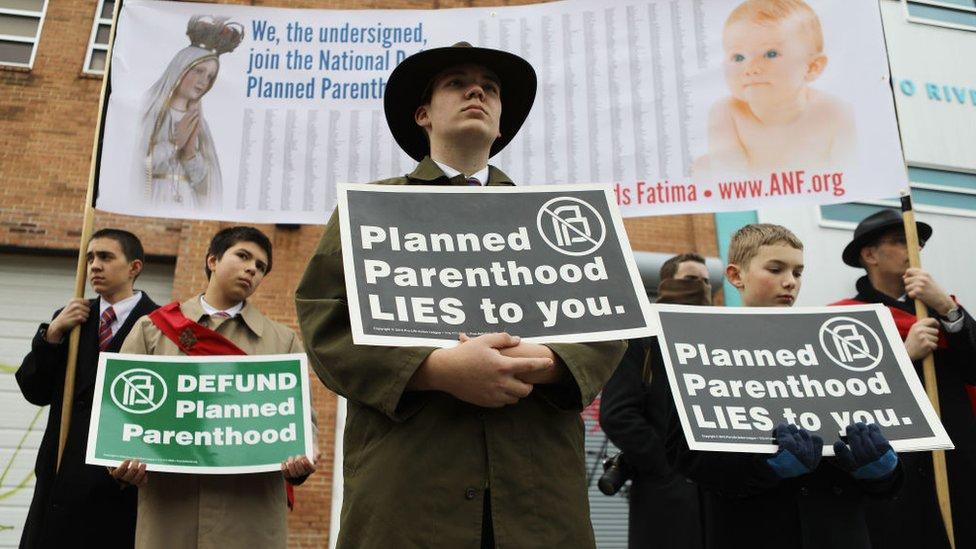 Protesta en contra de Planned Parenthhod.