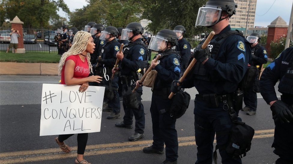 St Louis: Police 'chanted' after clearing violent protests