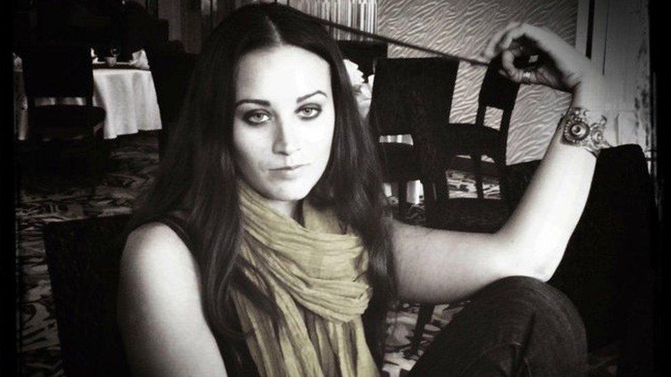 কুষ্টিয়ায় মার্কিন নারী সাংবাদিক হয়রানি: কী হয়েছিল হোটেলে?