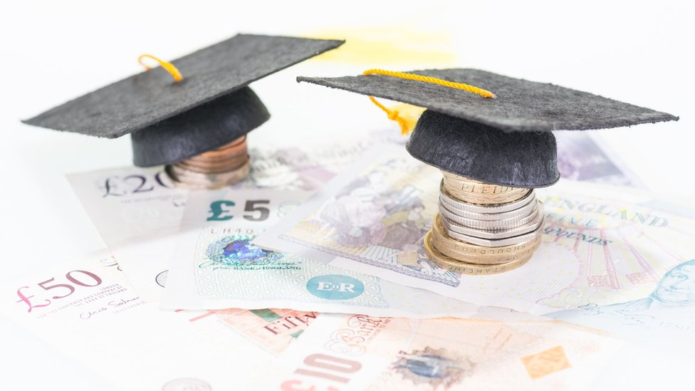 Welsh university tuition fees pegged at £9,000