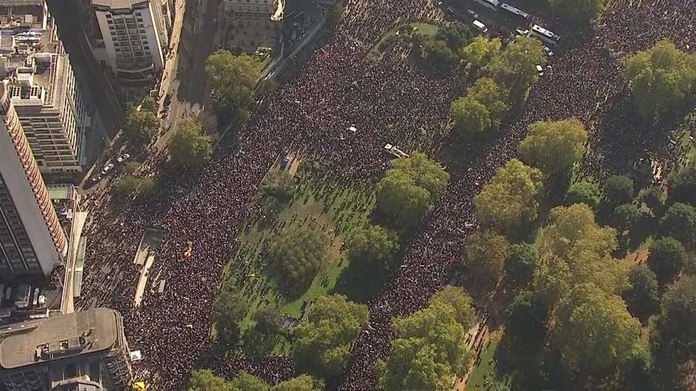 People's Vote march: Hundreds of thousands attend London protest