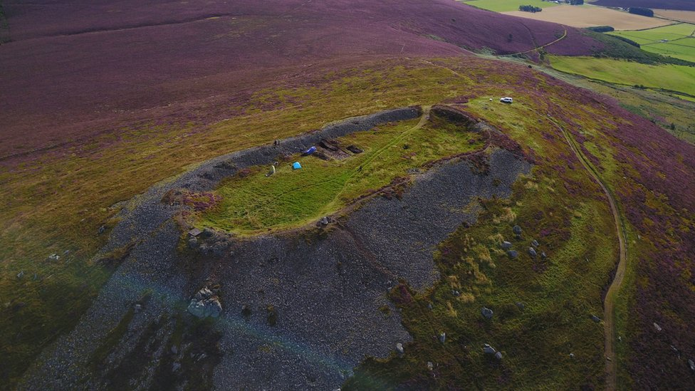 Huge ancient settlement unearthed on top of a hill in Scotland - CBBC Newsround