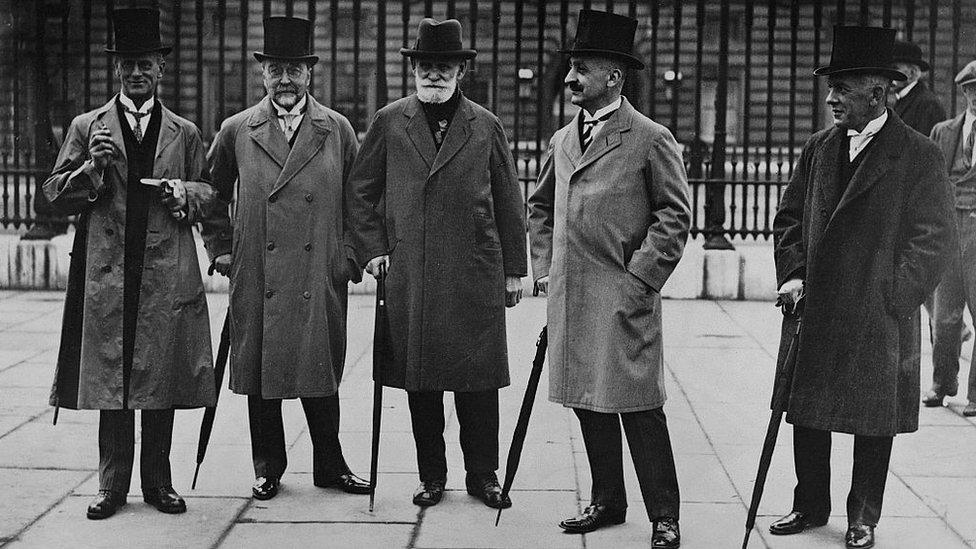 Pavlov con colegas