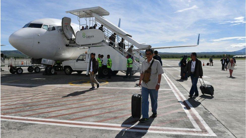 Lebaran Mereka Yang Batal Mudik Karena Tiket Pesawat Mahal Bbc News Indonesia
