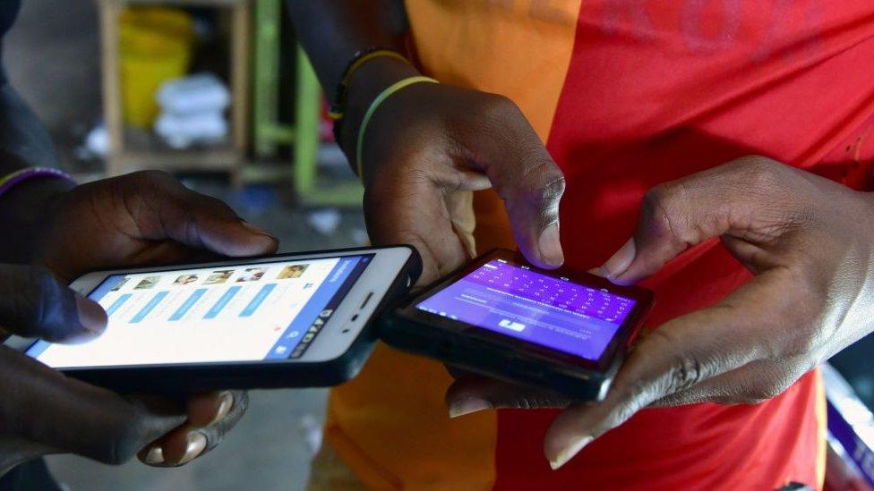 teléfonos móviles en África