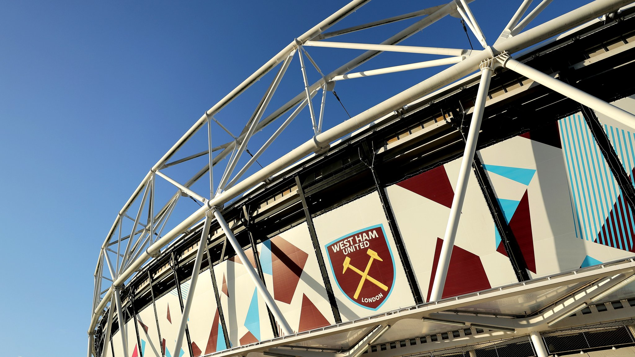 Shuttle buses, tea troubles and pitch problems – has West Ham's move failed?