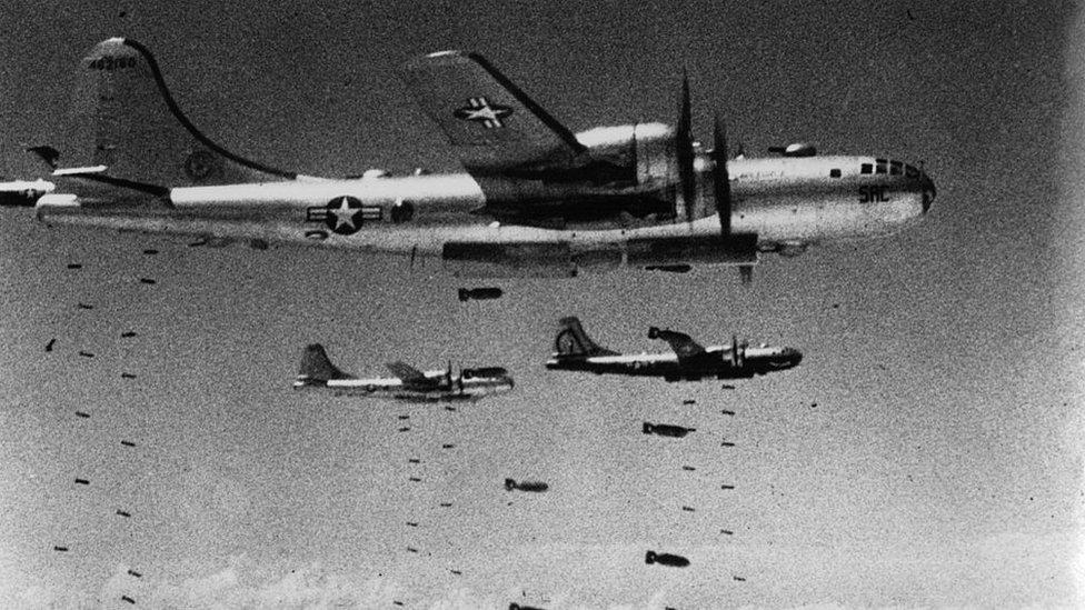 """Bombardeamos todo lo que se movía"""", los ataques aéreos masivos que explican  el histórico rencor de Corea del Norte hacia Estados Unidos - BBC News Mundo"""