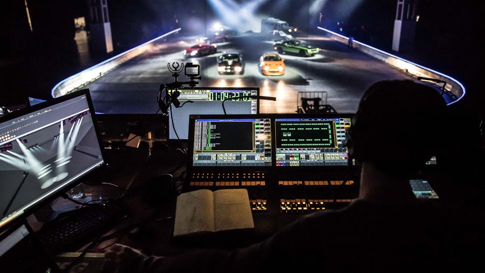 El equipo de Rowland French está preparado para que el espectáculo se vea muy peligroso y para que sea seguro al mismo tiempo. Foto: Fast & Furious Live.