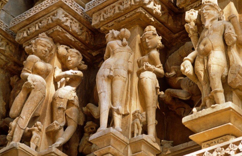 templos eróticos de Khajuraho, en India central.