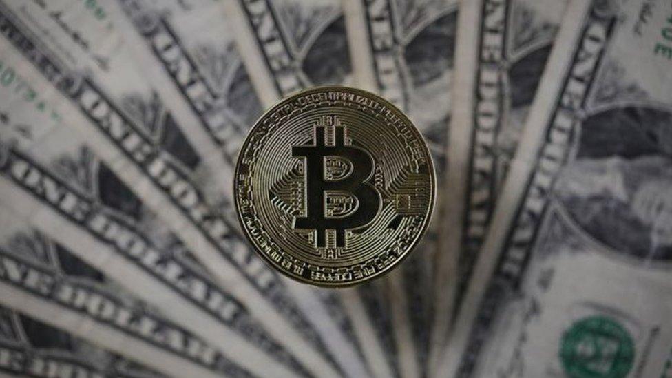 Bitcoin ra mắt trên sàn giao dịch tương lai