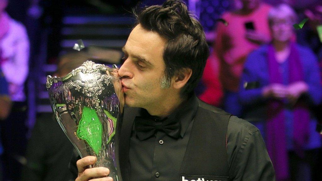 UK Championship: Ronnie O'Sullivan beats Shaun Murphy in final