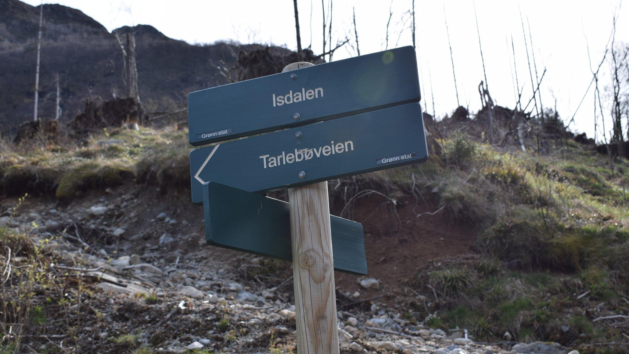 Señal hacia Isdalen