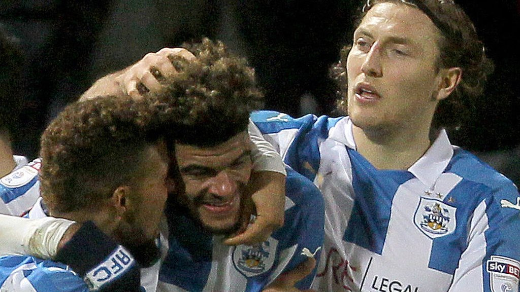Huddersfield boost top-two hopes with win over Reading