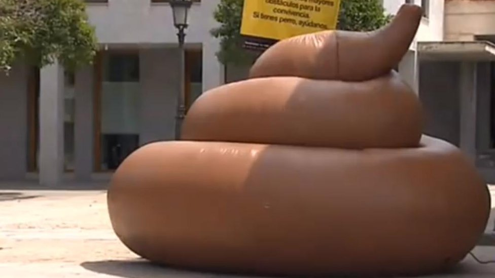 The inflatable dog mess which has gone missing