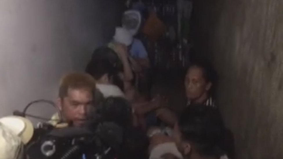 Philippines police 'keep people hidden in secret cell'