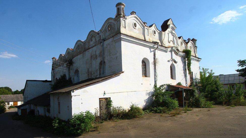 Як в Україні зникають єврейські пам'ятки і хто їх рятує