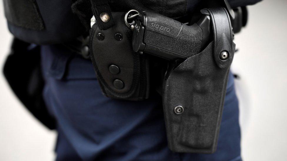 法國警察擊斃中國居民 民間抗議變騷亂35人被捕