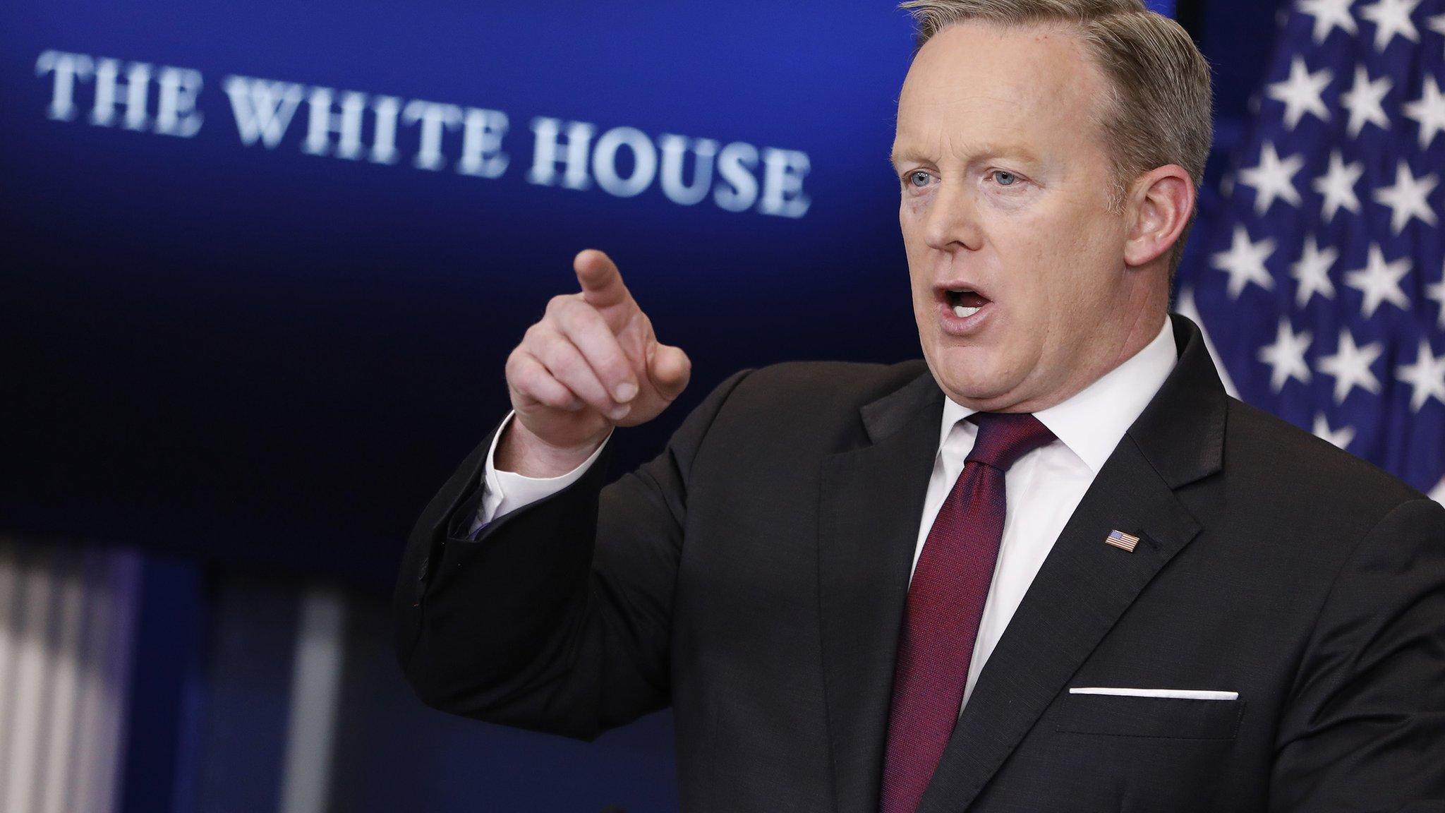 Sean Spicer quits: White House press secretary plays down 'row'