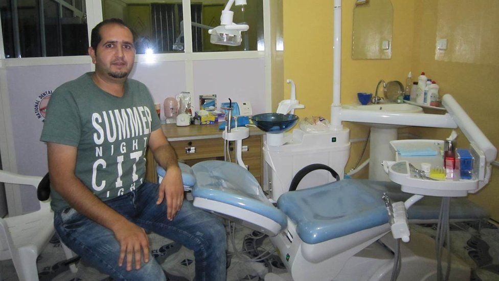 طبيب أسنان من حلب