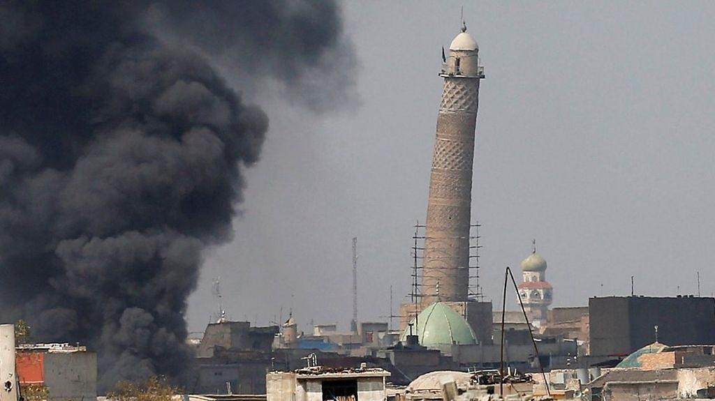 Blast in Iraq destroys Great Mosque of al-Nuri