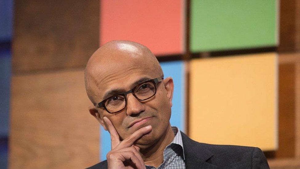 Satya Nadella es el director ejecutivo de Microsoft.
