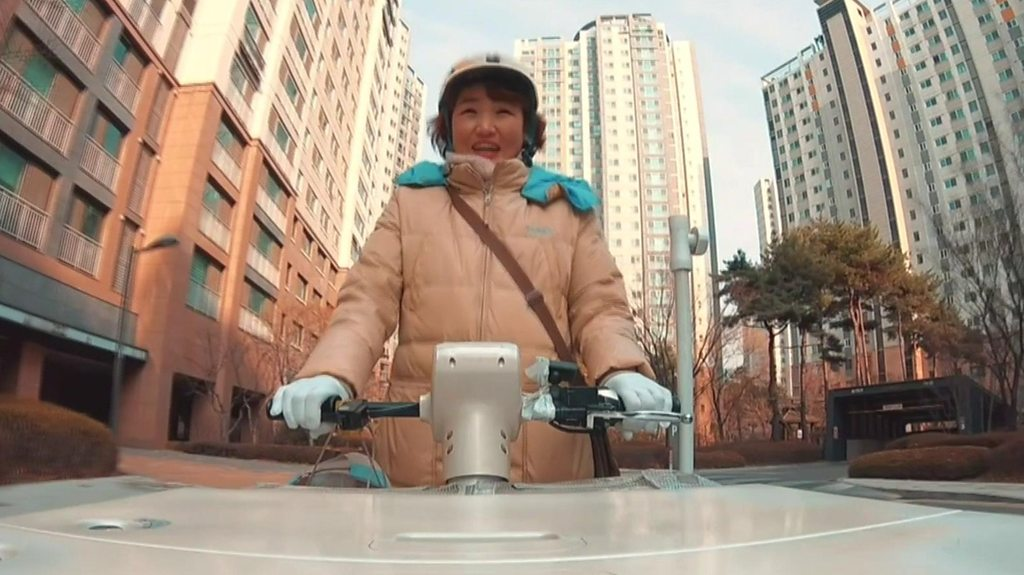 South Korea's 'yoghurt ladies' delivering friendship