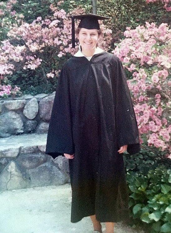 Меріенн Ґрей у 1975 році під час випуску з Дюкського університету,