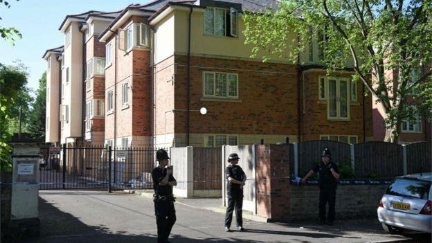 Una de las propiedades donde vivió la familia Abedi en Manchester fue objeto de una redada de la policía el martes