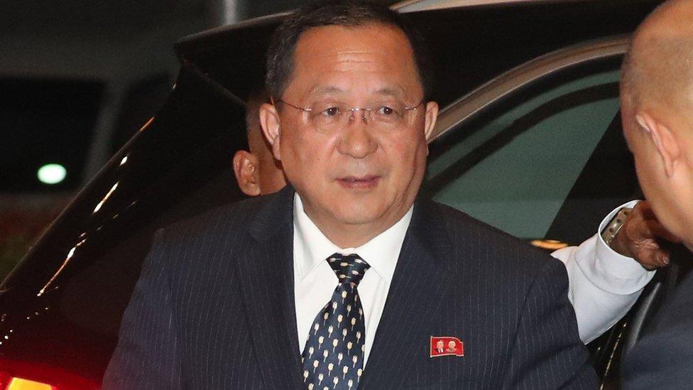 وزير خارجية كوريا الشمالية ري يونغ-هو يصل إلى مانيلا لحضور اجتماعات رابطة آسيان