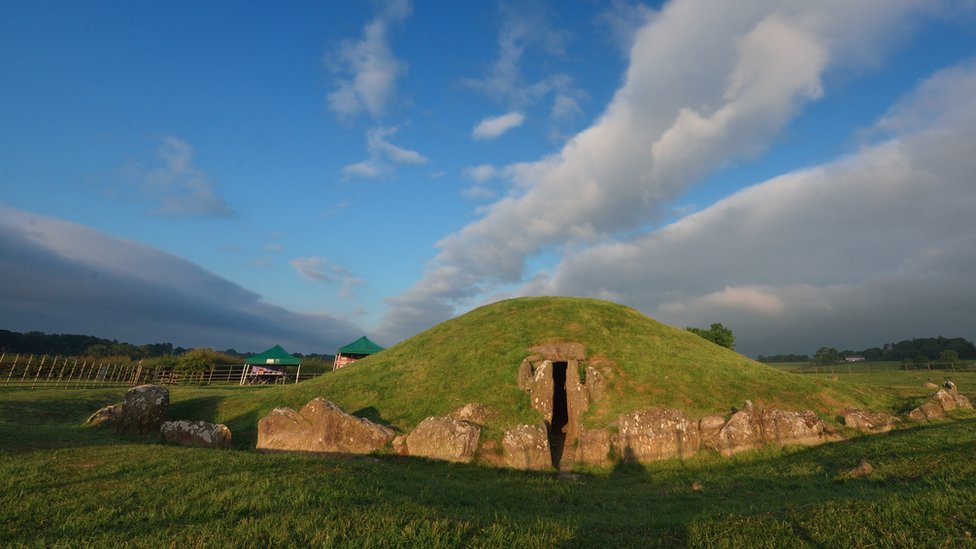 Anglesey archaeology: Bronze Age cairn dig at Bryn Celli Ddu