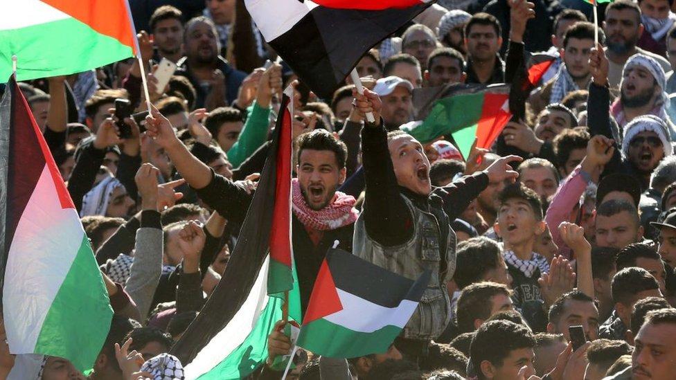 Manifestantes pro palestinos en Jordania.