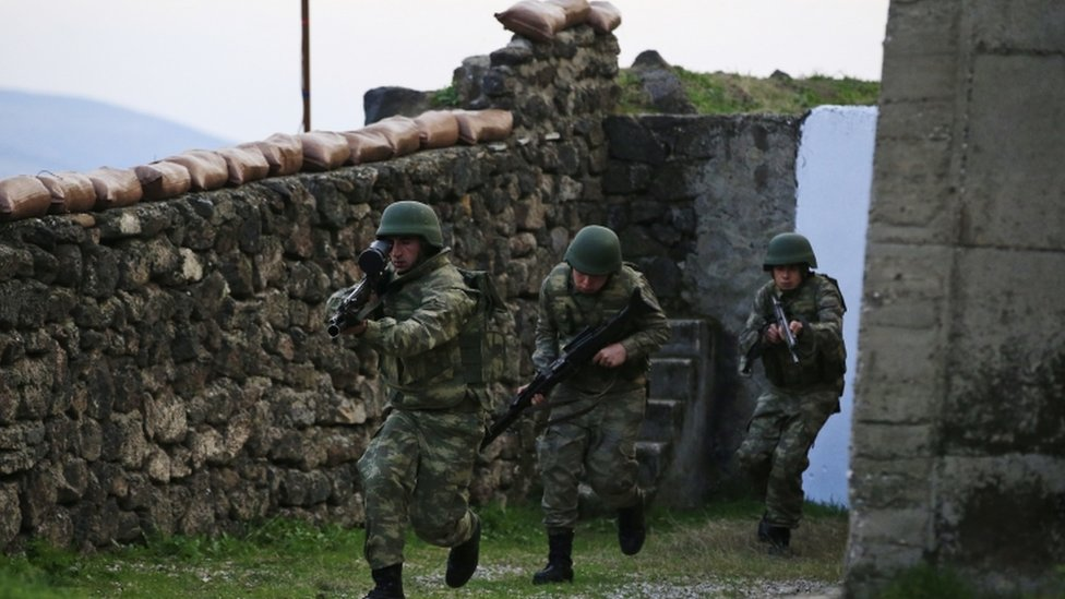 جنود في الجيش التركي في تدريبات جنوب شرقي البلاد