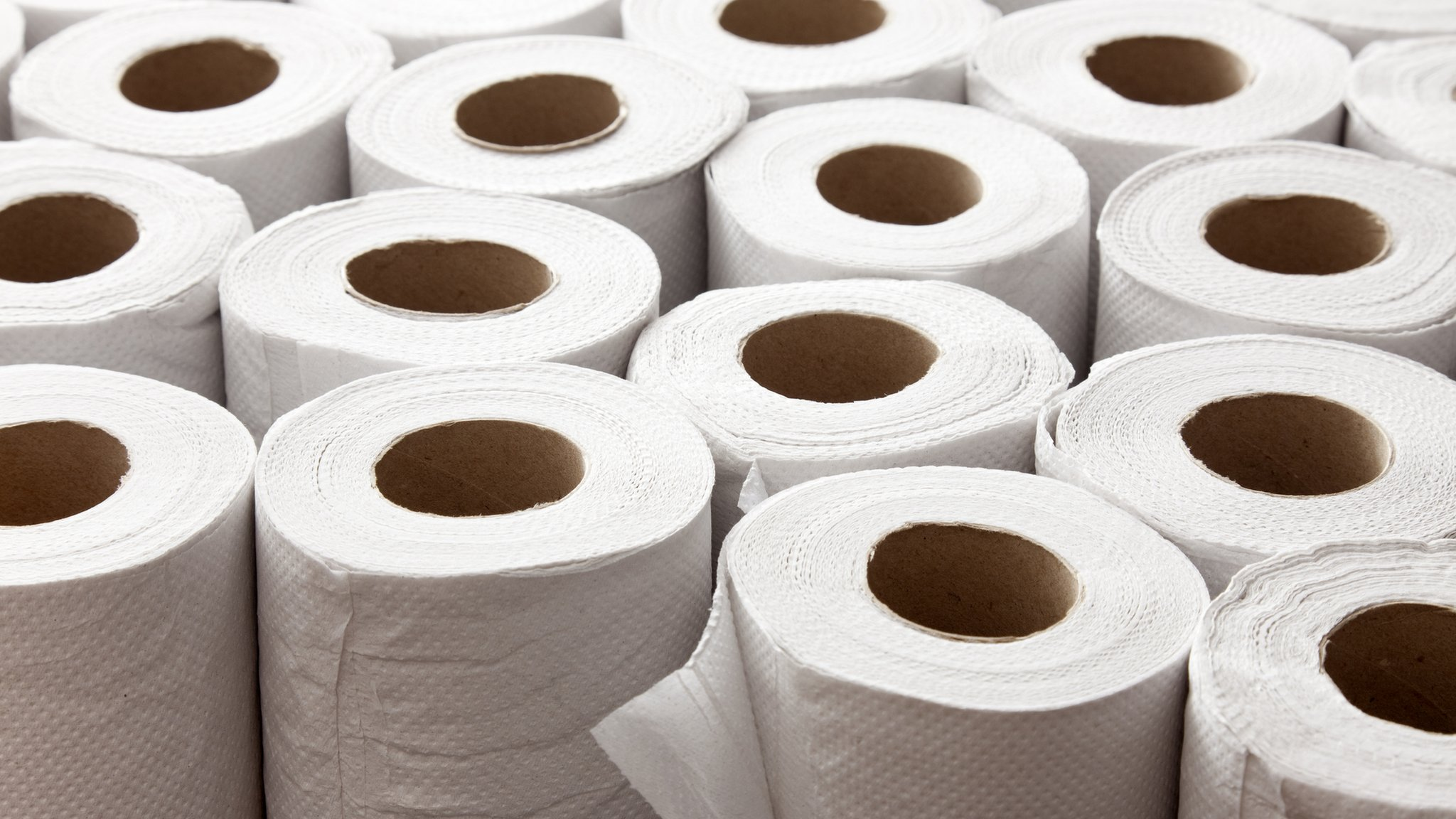 Brexit: Toilet paper maker stockpiles in a case of no-deal