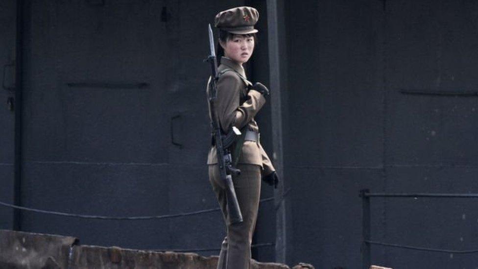 'Bị hãm hiếp' trong quân đội Bắc Hàn