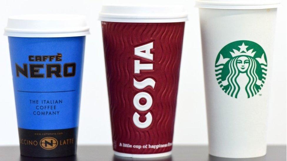 Hallaron bacterias fecales en bebidas de Starbucks, Costa Coffee y Caffè Nero
