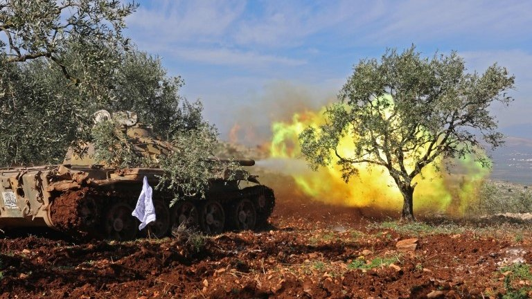 Syria war: Pro-government forces enter Kurdish-held Afrin